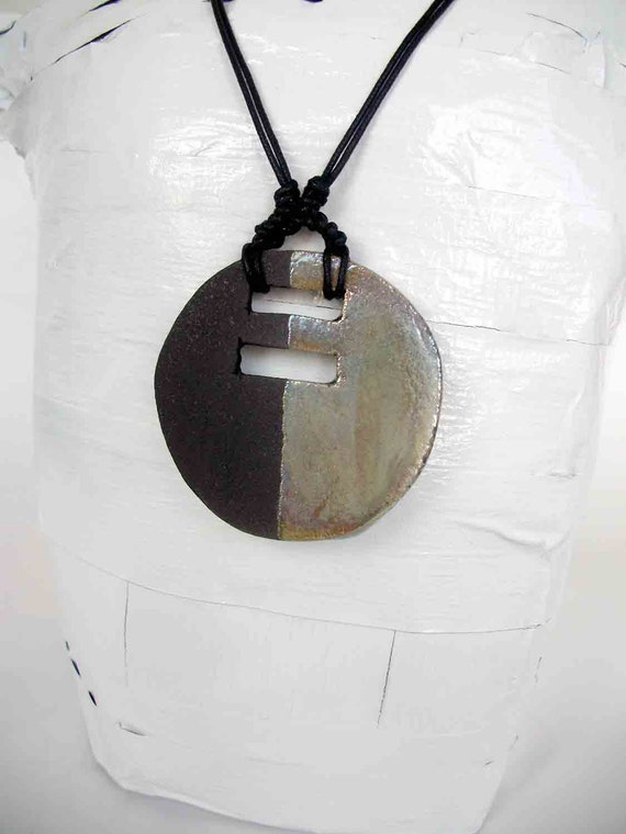 Pendant gold raku ceramics - jewels in raku - europeanstreetteam