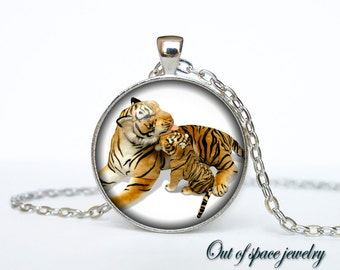 Mother tiger with cub pendant Mother's day necklace Mother tiger with cub necklace