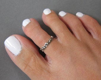 Sterling Silver Music Note Toe Ring , Also Midi Ring, knuckle Ring.