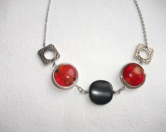 Red and black geometric necklace