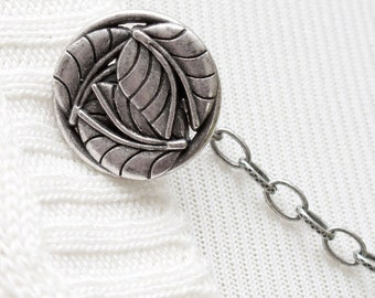 Leaf Sweater Clip - Silver Woodland Leaves Sweater Guard, Cardigan Clip, Cardigan Guard, Sweater Chain, Cardigan Chain, Sweater Closure