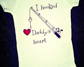 Baby Girl Clothes, Baby Boy Clothes, I HOOKED DADDYS HEART, Fishing gift, Father's Day Gift, Fishing Baby Outfit , Fishing Shirt, Liv & Co.™