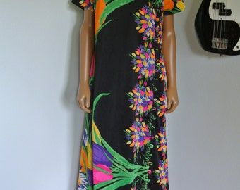 It's an Elgin Dress, Long Tunic Sheath Bright Floral Op Art Loose Tunic Style / L