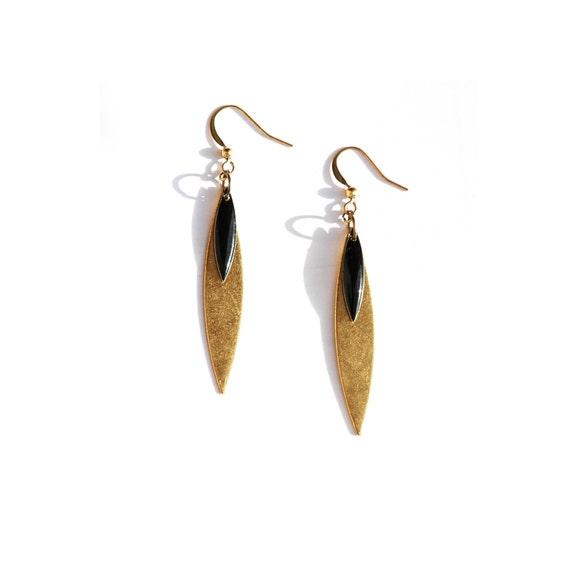 Boucles d'oreilles - Gouttes Navettes feuille plume métal doré et email noir