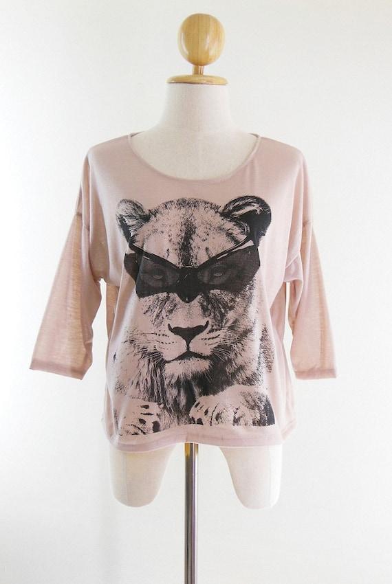 Lion Glasses Tshirt lion shirt women sweater women tshirt sweatshirt long sleeve shirt size L