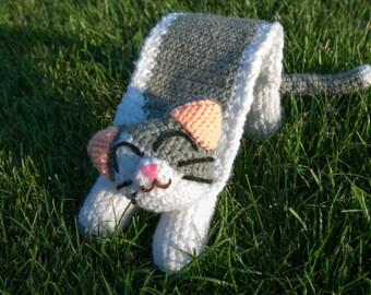 Harina: Grey and White Amigurumi Little Kitten