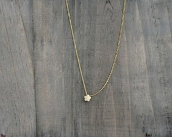 Cute and Tiny Flower Necklace in Matt Gold