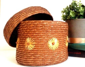 Vintage Woven Weaved Round Raffia Basket Box with Lid