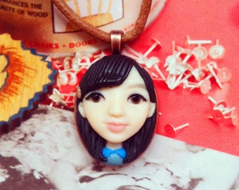 Customized head Polymer Clay Sculpture_handmade portrait necklace_sculpture custom