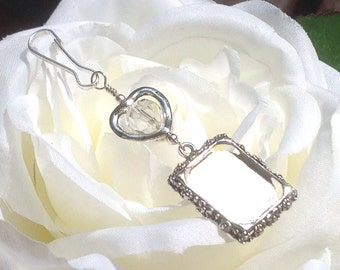Wedding bouquet charm. Memorial photo charm with Crystal or pearl. Gift for the bride. Daughter gift. Wedding keepsake. Heart wedding charm.