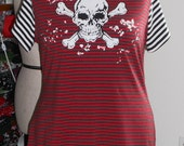 Plus size skull print striped tee