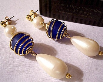 Blue Pearl Spiral Drop Pierced Earrings Gold Tone Vintage Teardrop Round Dangle White Lucite Beads