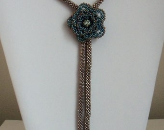 TUTORIAL: Ruffled Rose Necklace