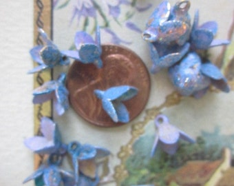 Wonderful Vintage Verigated Lavender Blue   Metal Flowers