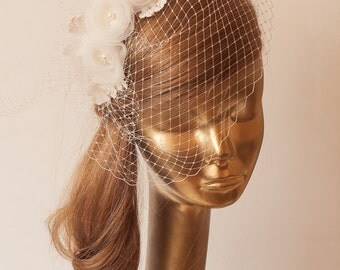 BIRDCAGE VEIL. Ivory veil .Romantic wedding Headpiece with beautifull,delicate FLOWERS.Bridal Fascinator.