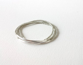 Set of 3 Silver bracelets,stretchy,gray bracelet,seed bead bracelet,minimalist bracelet,dainty silver bracelet,bridesmaid gift,beaded
