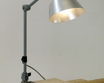 "Worbench lamp  :""Mitgard""."