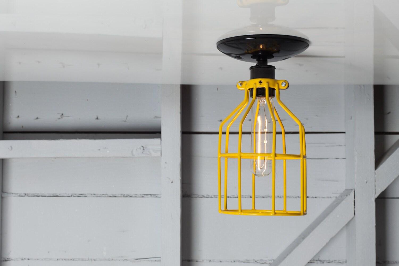 Industrielle Mount Deckenleuchte gelben Draht Käfig