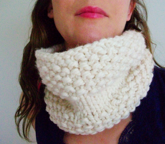 Chunky Circle Scarf Knitting Pattern : Easy Knitting Pattern Chunky Circle Scarf by BlueStockinette