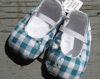 12 mths. Upcycled Baby Girl Shoes, Mary Jane Baby Shoes, Eco Friendly Baby Shoes, Blue and White Slip On Baby Girl Shoes, Cute Mary Janes