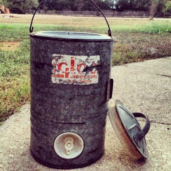 Vintage igloo galvanized water jug 3 by carriescountrygarden - Igloo vintage ...