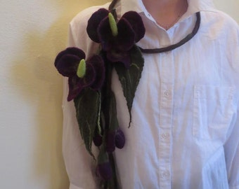Calla felted brooch, necklace. Felted wool.