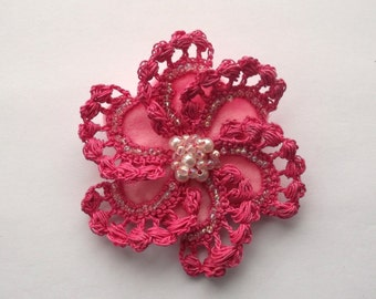 pink crochet brooch, pink handmade crochet brooch, handmade ,pin,accessory,corsage,mother of the bride groom, wedding accessories.