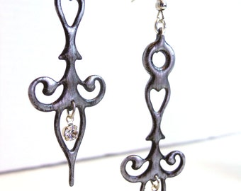 Clock Hands earrings distressed Antique silver colored with Crystals Steampunk Neo Victorian Styled