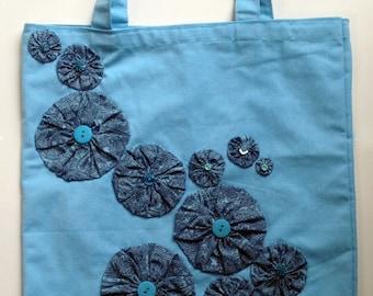 Yo-Yo Flower Embellished Blue Canvas Tote Bag - Violet Bows
