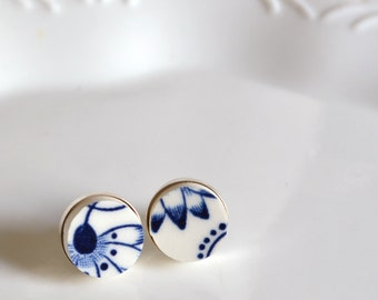 Simple Circle Sterling Silver Recycled China Stud Earring - Blue Calico - Fab
