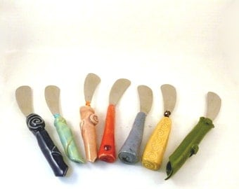 Butter spreader - Small butter or cheese knife - kitchen accessory - ceramic knives - tapas server - small kitchen gadget in fiesta colors