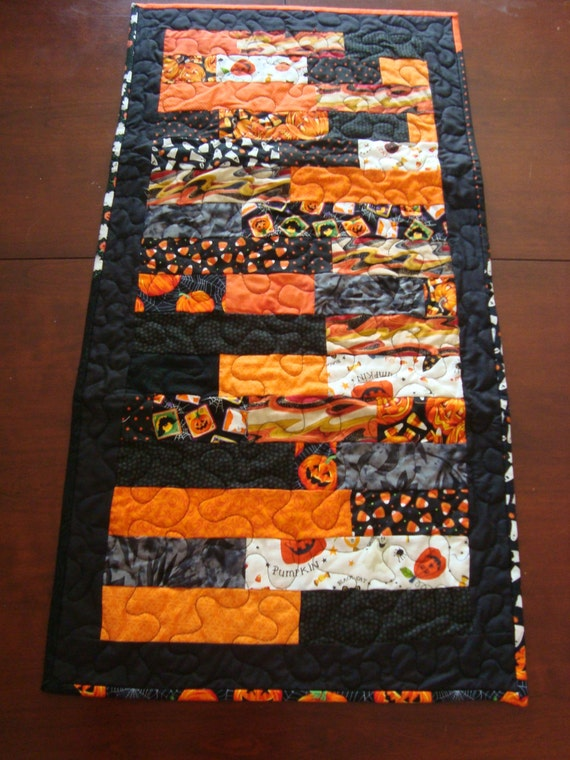 Halloweenquilted table runner  READY TO SHIP