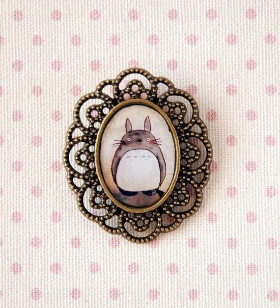 Totoro - filigree cameo brooch