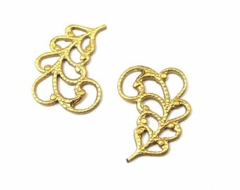 Small Brass Filigree Leaf Charms - Mirrored (10X) (M739)