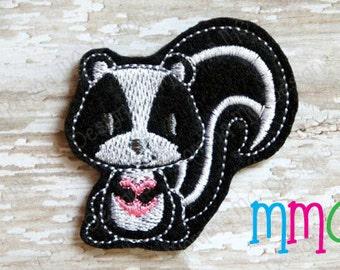 Valentine Skunk Felt Feltie Embroidery Design