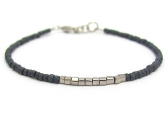 Charcoal Gray Friendship Bracelet, Gunmetal Glass Cubes, Silver Plated Cubes, Minimal Beaded Bracelet, Friendship Bracelet, Bridesmaid Gift