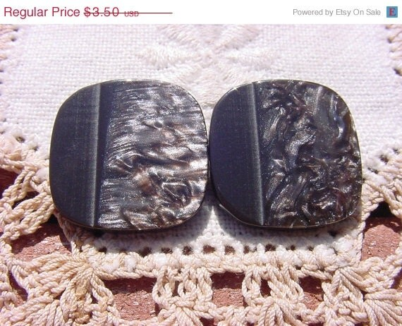 ON SALE Metallic Shimmer Moonglow Vintage Mod Resin Buttons