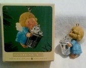 Vintage Hallmark Christmas Ornament, Christmas decoration - Thimble Angel - 1984 - perfect condition