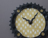 bicycle clock - yellow arrows