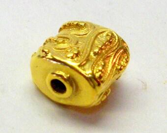 Bali vermeil filigree bead, small oval 11mm 1 pc
