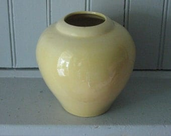 Mellow Yellow Ceramic Urn Vase