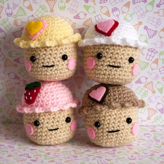 Amigurumi Cute Cupcake : Reserved for cfielding Set of Amigurumi Cupcakes