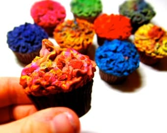 Kids CUPCAKE Crayons - Recycled Cupcake Crayons -Set of 3 Recycled Rainbow Crayons (Pick Your Colors)
