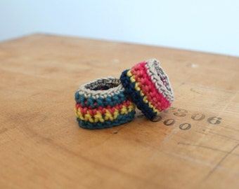 Duo, 2 rings , 2 fingers...red, blue, orange, yellow, beige, Bijoux tricot, crochet, cotton