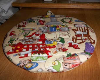 Christmas, Quilted Pot Holders, Potholders, Hot Pads Trivet, Mrs Claus Kitchen, Cotton Fabric, Double Insulated, 9 Inches, Hostess Gift