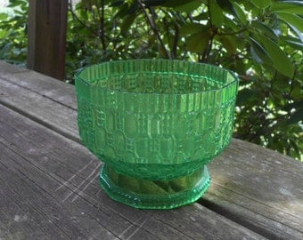 moving sale Vintage 1950s Green Rigaline Plastic Compote Pedestal Bowl