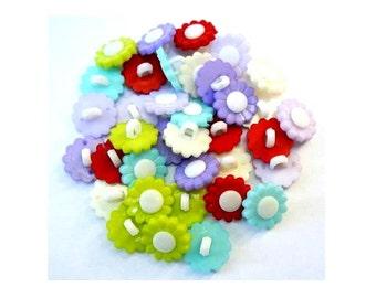 36 Vintage buttons, plastic flowers buttons  6 colors 15mm