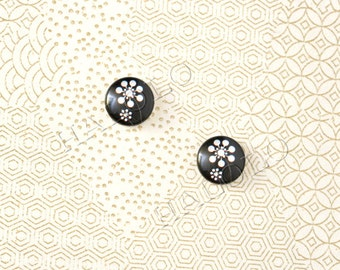 Sale - 10pcs handmade flowers parsley against black round glass dome cabochons 12mm (12-0054)