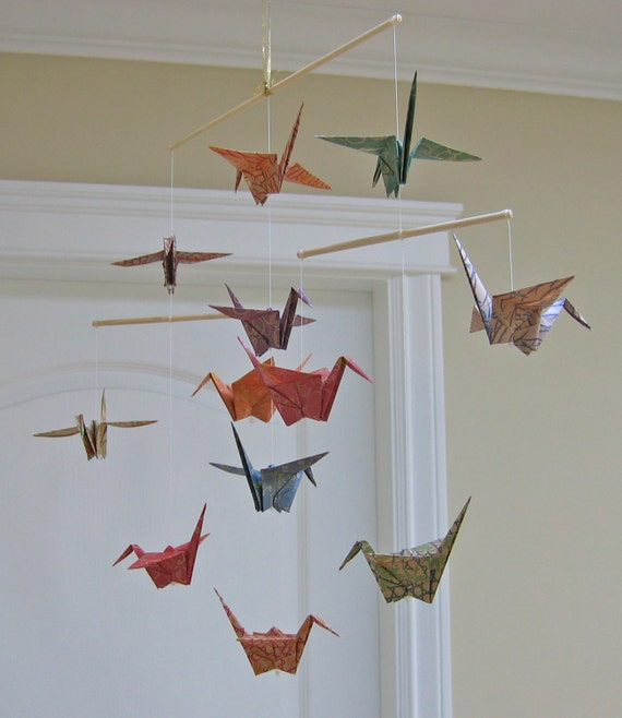 origami kranich mobile chiyogami print kraft papiere. Black Bedroom Furniture Sets. Home Design Ideas