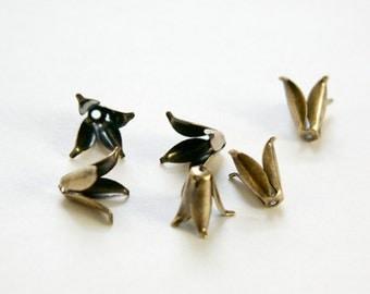 Brass Ox Long 4 Petal Bead Caps (10) mtl303D